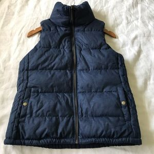 old navy // classic navy puffer vest size small